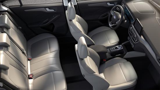 интерьер салона седана Ford Focus 4
