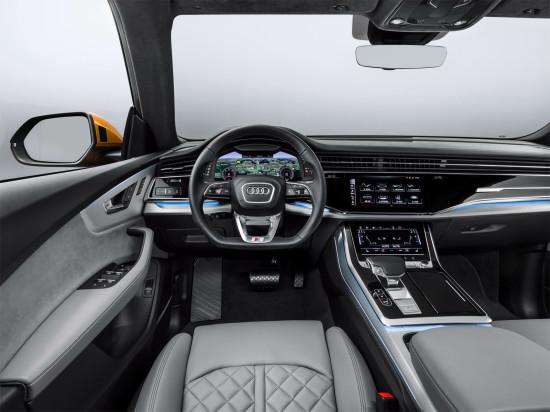 интерьер салона Audi Q8