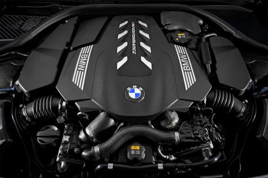 под капотом BMW M850i xDrive