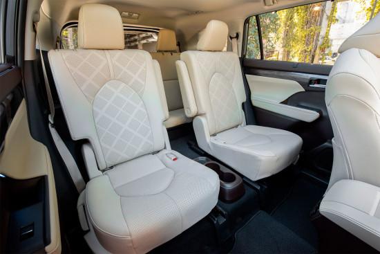 второй и третий ряд пассажирских сидений