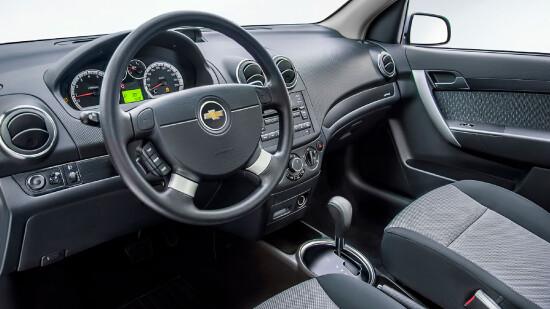 интерьер салона Chevrolet Nexia