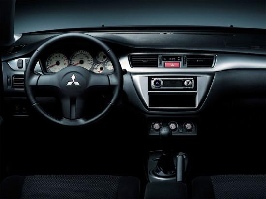 интерьер Mitsubishi Lancer IX Classic
