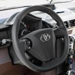 салон Toyota iQ