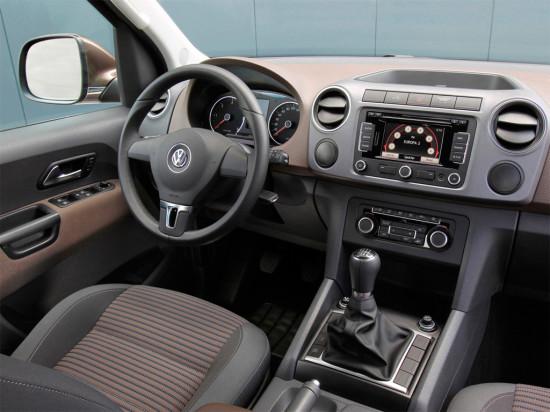 интерьер пикапа Volkswagen Amarok