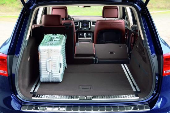 Багажное отделение Volkswagen Touareg  2011-2014