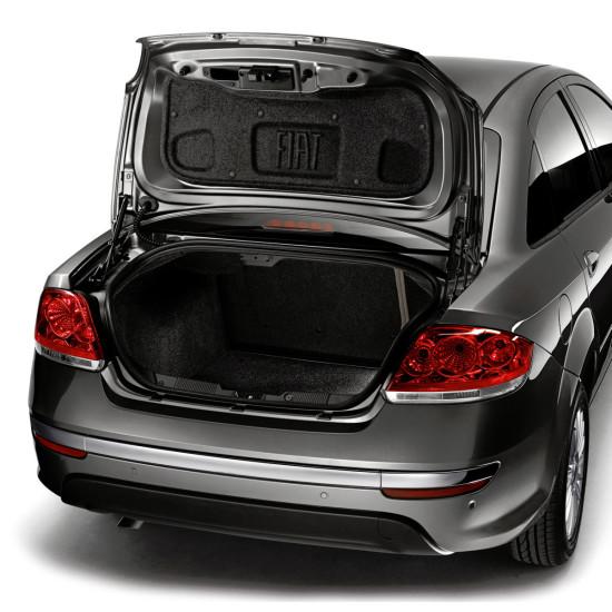 багажник седана Fiat Linea