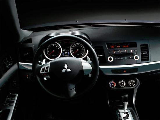 интерьер Mitsubishi Lancer 10