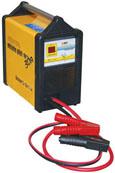 ...зарядное устройство для быстрой зарядки автомобильных аккумуляторов.