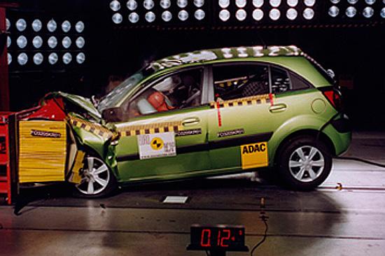 краш-тест KIA Rio 2 (Euro NCAP)