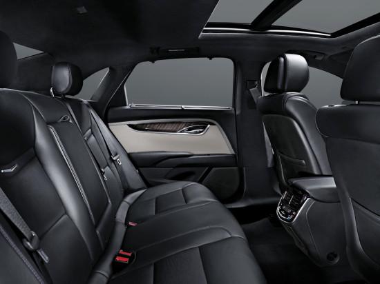 в салоне Cadillac XTS