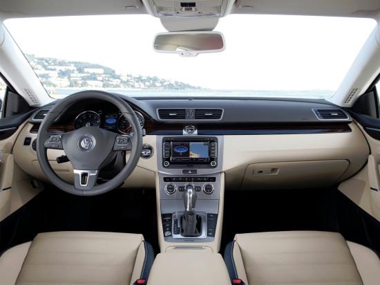 интерьер салона VW Passat CC (2012-2016 годов)