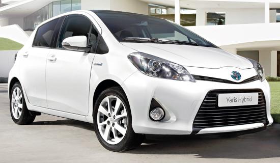 Тойота Ярис 3 Гибрид 2012-2013