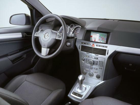 интерьер салона Opel Astra Family Wagon