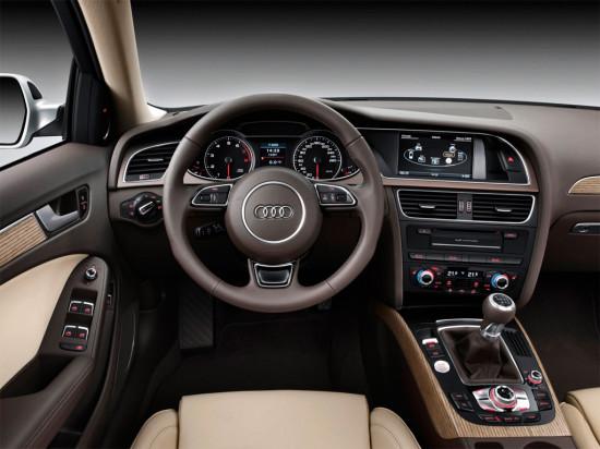 приборная панель седана Audi A4