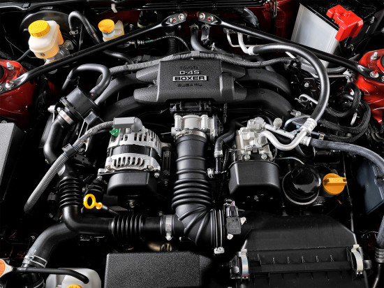 под капотом (силовой агрегат) ГТ86