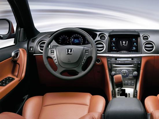 интерьер салона Luxgen7 SUV