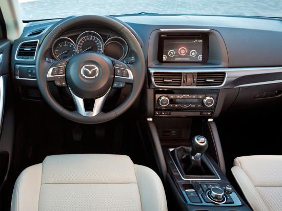 интерьер Mazda CX-5 2015 года