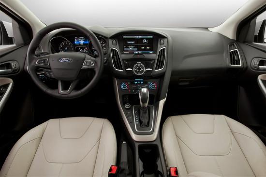 интерьер салона седана Ford Focus 3 2015