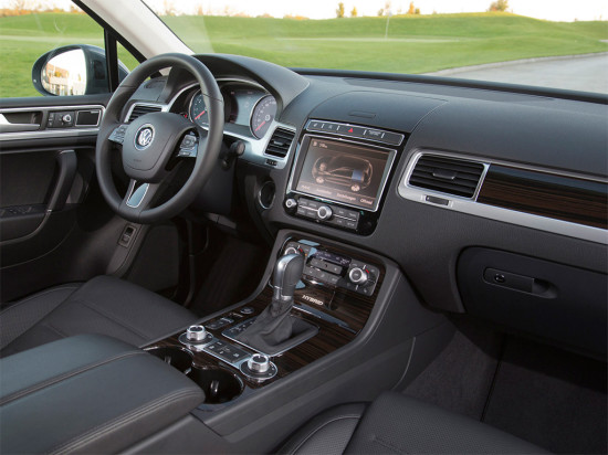 интерьер Volkswagen Touareg Hybrid TSI