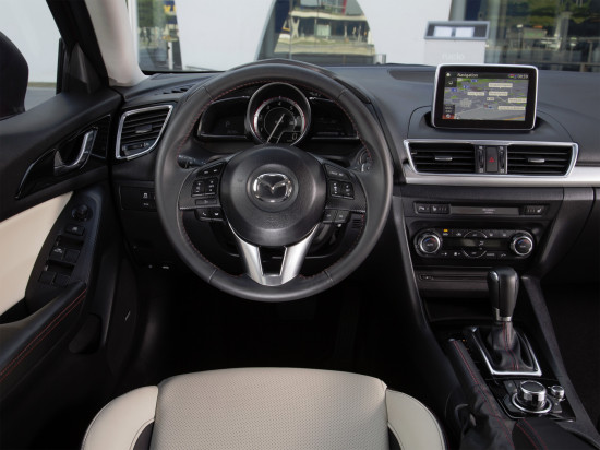 интерьер салона Mazda 3 Sedan BM