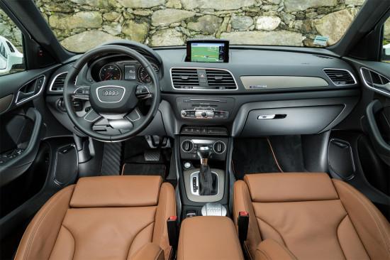 передняя панель и центральная консоль Audi Q3 (8U)