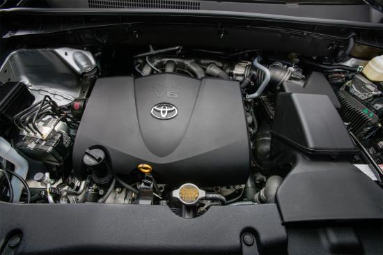 под капотом Toyota Highlander XU50
