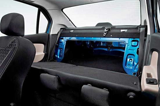 при сложенных задних сидениях в Renault Logan II