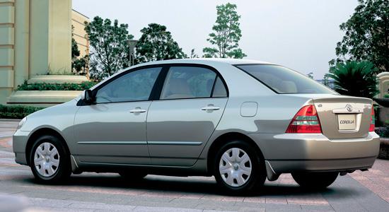 седан Toyota Corolla E120