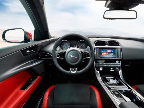 интерьер салона Jaguar XE