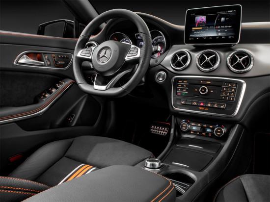 интерьер салона Mercedes-Benz CLA Shooting Brake