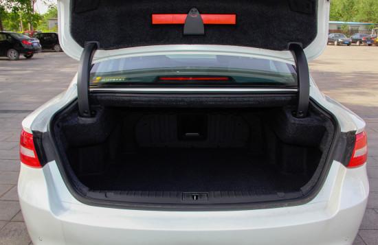 багажник седана Эмгранд ГТ