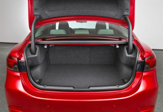 багажное отделение трёхобъёмника Mazda 6 GJ