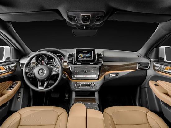 интерьер салона Mercedes-Benz GLE Coupe