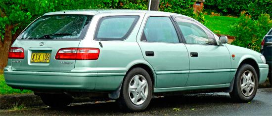 универсал Toyota Camry XV20