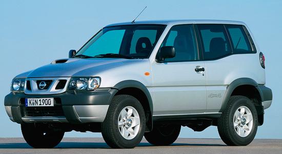 трёхдверный Nissan Terrano II