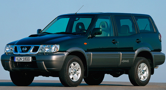 пятидверный Nissan Terrano II