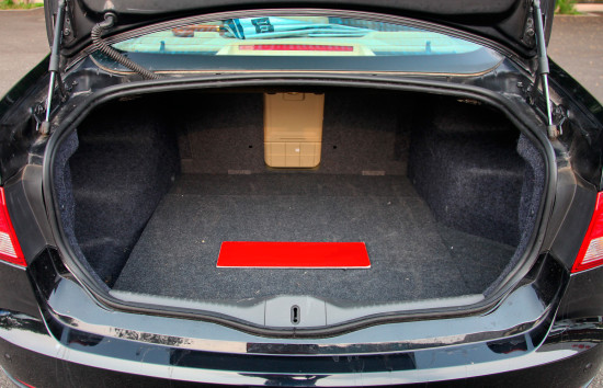 багажный отсек Trumpchi GA5