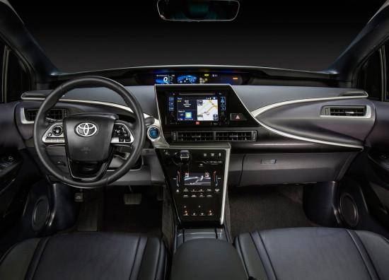 интерьер Toyota Mirai