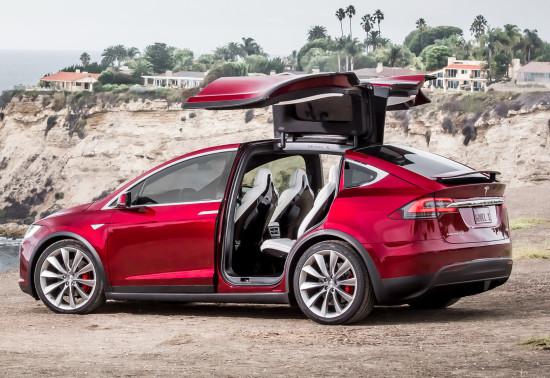 открывание дверей Tesla Model X
