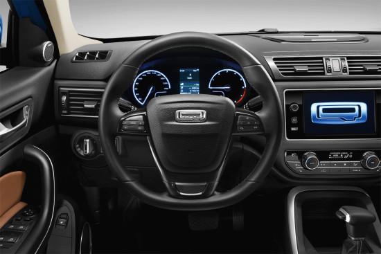 приборная панель и центральная консоль Qoros 5 SUV