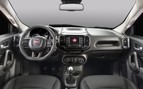 интерьер Fiat Toro