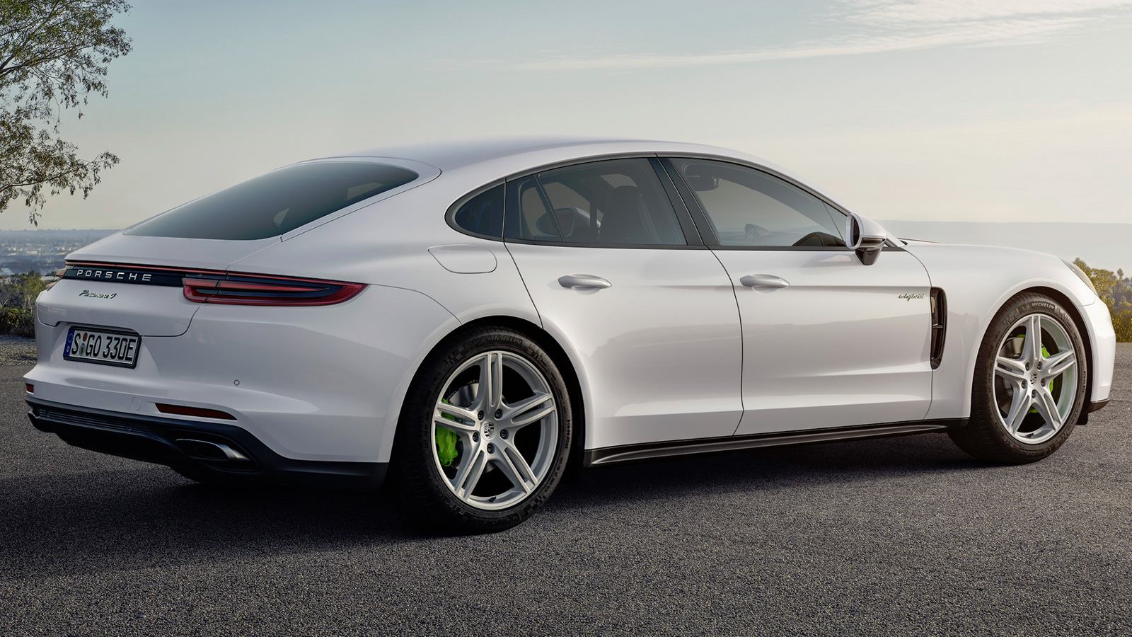 Porsche Panamera E-Hybrid - цена и характеристики ...