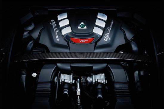 под капотом Alfa Romeo Stelvio Quadrifoglio