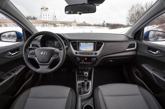 интерьер седана Hyundai Solaris II